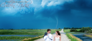 Amazing Wedding Photos: It's a Tornado!