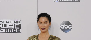 Olivia Munn at the American Music Awards