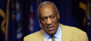 Bill Cosby Heckled During Standup Performance: Tell the One About How to Get Away With Rape!