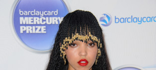 Fka twigs award show photo