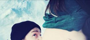 Justin timberlake baby bump kiss