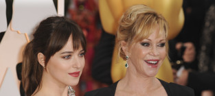 Dakota johnson and melanie griffith at the 87th oscars