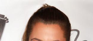 Khloe kardashian big smile