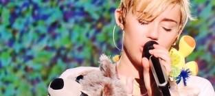 Miley cyrus mourns floyd