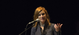 Amy Poehler New Red Hair