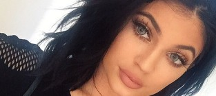 Kylie Jenner Rocks Green Contact Lenses in Latest Selfie: At Least She's Wearing Clothes!
