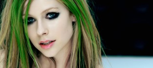 Avril Lavigne with Green Hair