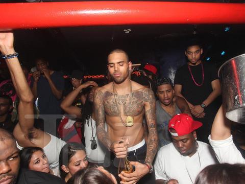 Chris Brown Shirtless Pic