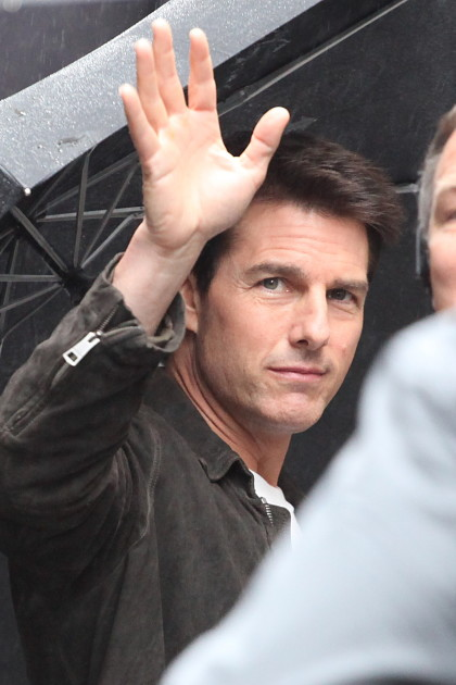 Tom Cruise Waves