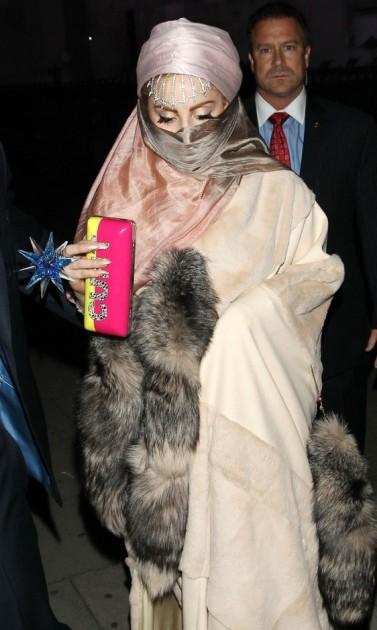Lady Gaga, Burka