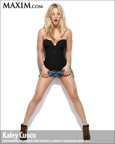 Kaley Cuoco in Short Shorts