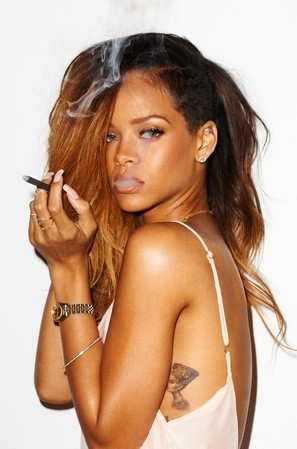 RIhanna Smoking Pic