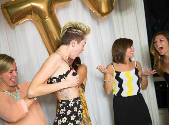 Miley Cyrus Wardrobe Malfunction Photo