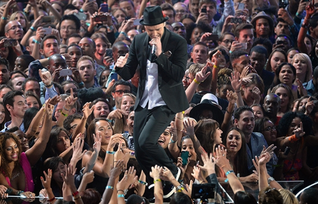 Justin Timberlake Performing at the VMAs