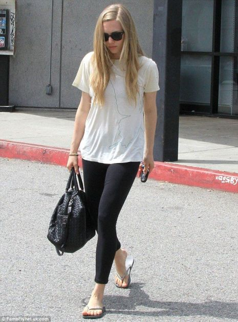 Amanda Seyfried: Hot With No Makeup!