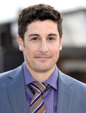 Jason Biggs Gets Inappropriate on Twitter