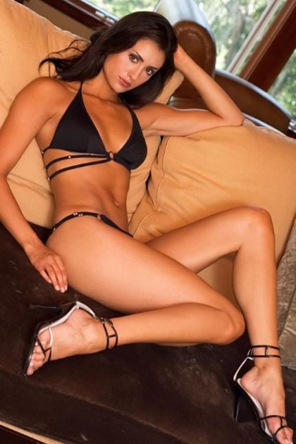 Katie Cleary Bikini Pic