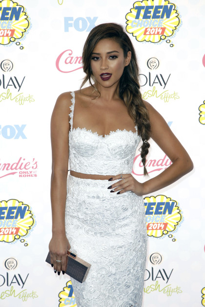 Shay Mitchell at the 2014 Teen Choice Awards