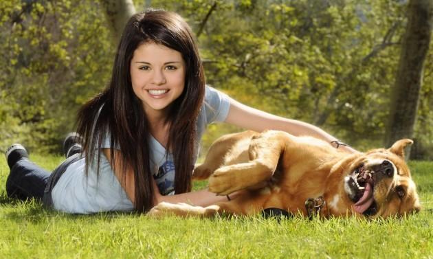 She has SIX dogs
