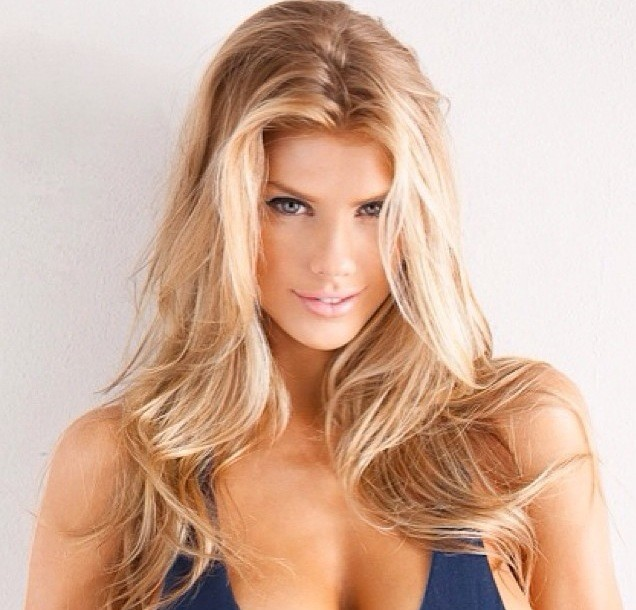 Charlotte McKinney Cleavage Photo