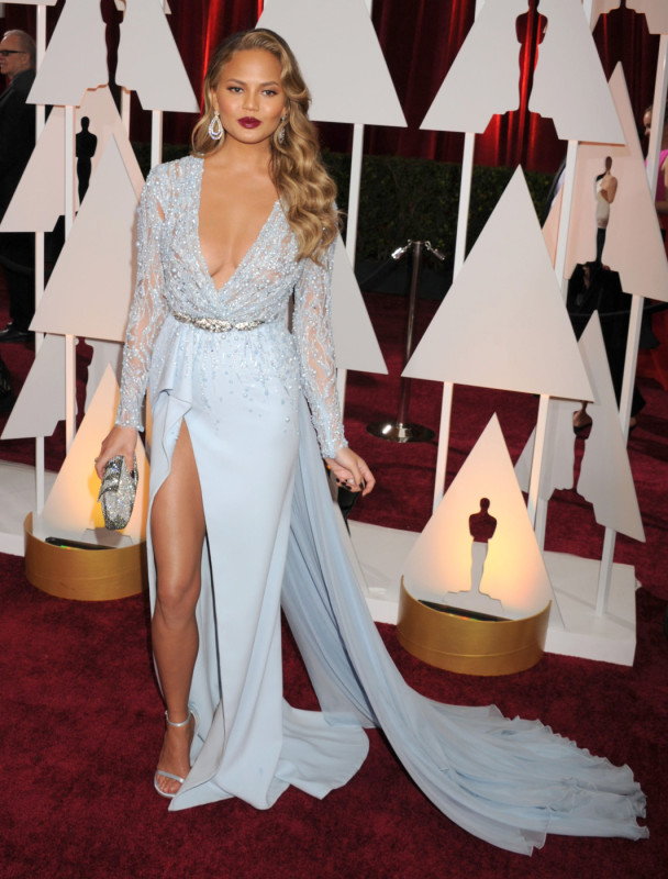 Chrissy Teigen at the 2015 Oscars