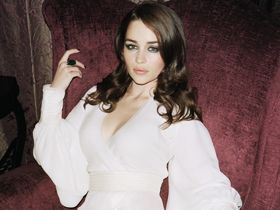 9 Fiery Photos of Emilia Clarke