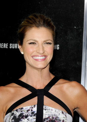 18 Insanely Hot Photos of Erin Andrews