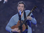 Phillip Phillips on Stage