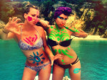 Kaley Cuoco Bikini Pic