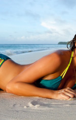 Chrissy Teigen Sports Illustrated Swimsuit Edition Picture