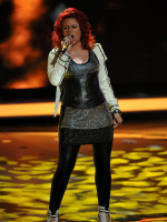 Allison Iraheta Performance Photo