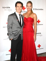 Mark-Paul Gosselaar and Catriona McGinn Photo