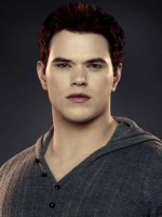 Kellan Lutz as Emmett Cullen