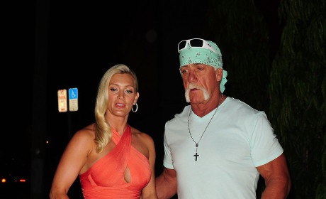 Hulk Hogan Cradles Jennifer McDaniel