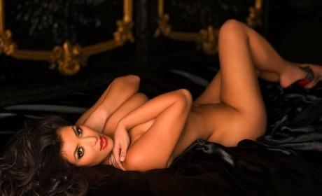 18 Nude Photos of Kardashian Family Members (Sorry, This Includes Kris)