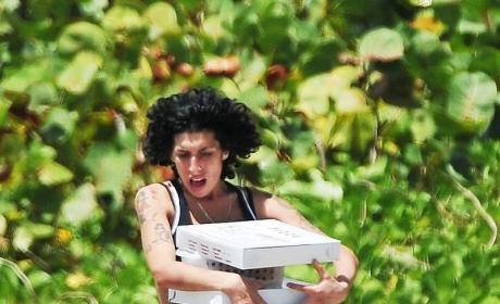 The Amy Winehouse Detox Plan: Smoke Weed Every Day