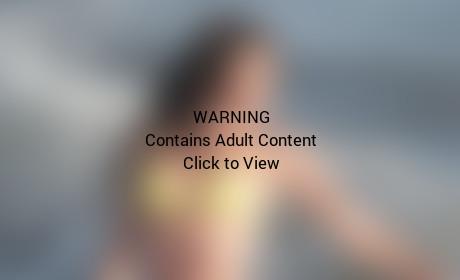 Hot Courtney Robertson Bikini Photo