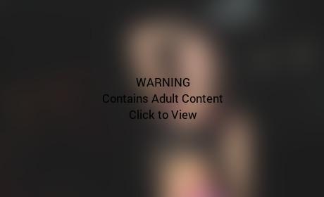 Belle Knox (Miriam Weeks) Stripping