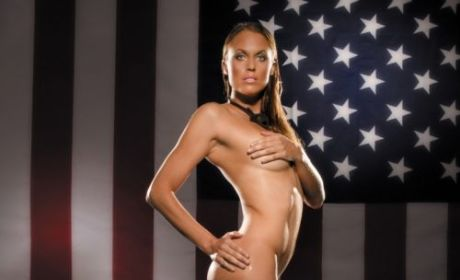 Amanda Beard: Nude for PETA