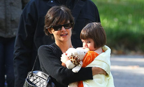 Cute Suri Cruise, Bad Katie Holmes Fashion Pic of the Day