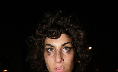 Celebrity Gossip Media Corners, Frustrates Amy Winehouse