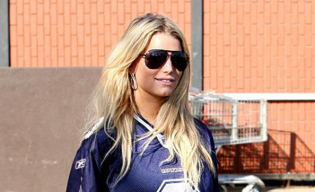 Jessica Simpson Loves Attention, Tony Romo