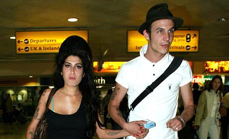 Amy Winehouse Still Loves Blake Fielder-Civil