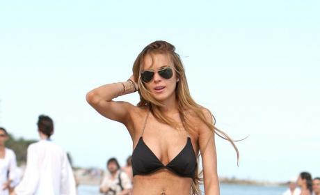 Lindsay Lohan: A Sort of Beautiful Beach Bum