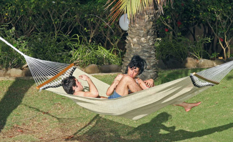 Amy Winehouse & Josh Bowman: Cozy in the Caribbean