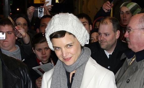 Celebrity Fashion Police Issue APB on Katie Holmes
