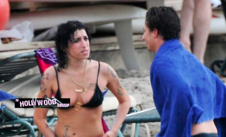 Amy Winehouse Nipple Slip II