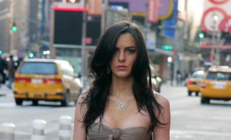 Ali Lohan Tries to Be an Extraordinary Woman