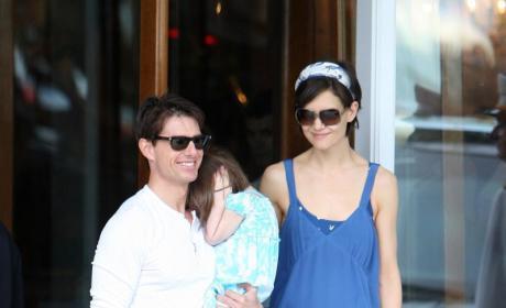 Tom Cruise Sues Baby Store Over Celeb Gossip