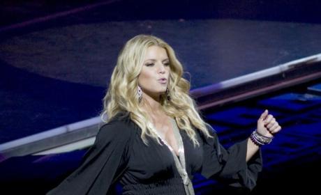 Jessica Simpson, Giant Boobs to Host Pussycat Dolls Performance